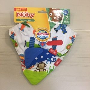 NWT Nûby teething bib